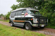 Find the perfect Photo Pin stock photos Chevrolet Van, Chevy Vans, Old Vintage Cars, Photo Pin, Gm Trucks, Custom Vans, High Top Vans, General Motors, Perfect Photo