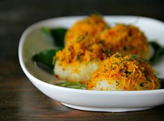 I promised in my last post, to show you one of my favourite dishes which uses serundeng , so here I am, with a treat tempting enough to sen...
