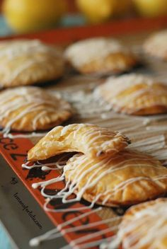 Buttery and flaky pie dough is shaped into cute mini hand pies and filled with homemade lemon curd! This mini lemon hand pies recipe makes a sweet treat! Lemon Dessert Recipes, Lemon Recipes, Pie Recipes, Sweet Recipes, Cooking Recipes, Spring Desserts, Just Desserts, Spring Recipes, Empanadas