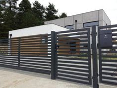 Ogrodzenie nowoczesne, brama palisada pozioma, brama przesuwna /1m2 House Fence Design, Modern Fence Design, Door Gate Design, Balcony Design, Patio Design, Modern House Design, Metal Fence Panels, Garden Fence Panels, Iron Fence Gate