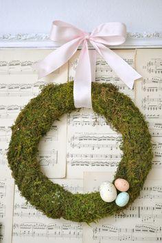 Little Birdie Secrets: make a spring moss wreath {tutorial}