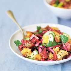 Oooohhh yes.pastrami and ANYTHING! Pastrami and Rye Panzanella Cookbook Recipes, New Recipes, Salad Recipes, Favorite Recipes, Fast Recipes, Yummy Food, Tasty, Entrees, Italia