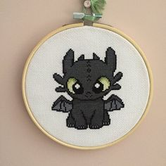 Disney Cross Stitch Pattern Disney Crossstitch How To Train Marvel Cross Stitch, Dragon Cross Stitch, Cute Cross Stitch, Modern Cross Stitch, Cross Stitch Animals, Cross Stitching, Cross Stitch Embroidery, Embroidery Patterns, Hand Embroidery