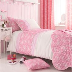 Create a cosy bedroom scheme with this 100% cotton percale duvet set, featuring a butterfly design perfect for your pretty-in-pink master suite or kids' room...