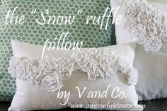 On My Side of the Room: Teriffic Tutorial Tuesday - Pillows    So many different pillows to make!  I love pillows!!