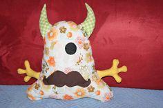 gaaanz liebe Monster <3 Monster, Snowman, Disney Characters, Fictional Characters, Snoopy, Facebook, Handmade, Art, Stuffed Toys