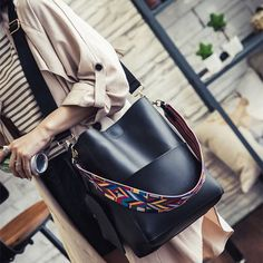 Women Stylish PU Leather Handbag Detachable Geometric Pattern Strap Shoulder Bags is Worth Buying - NewChic Mobile.