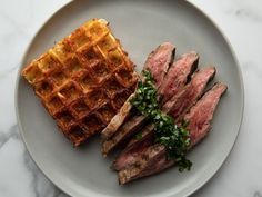Flank Steak with Herb Sauce and Three Cheese Waffle Hash Browns The Pioneer Woman, Pioneer Women, Hashbrown Waffles, Cheese Waffles, Ree Drummond, Overnight Oats, Steaks, Beef Recipes, Cooking Recipes