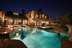 I love the different levels in the pool