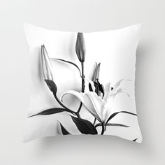 #throwpillow #pillow #nature #lilium #flowers #nature #blackandwhite