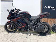 #lamonadesign #motorrad #kawasaki #designlackierung Custom Bikes, Motorcycle, Design, Iphone, Vehicles, Paint Line, Custom Motorcycles, Biking, Motorcycles