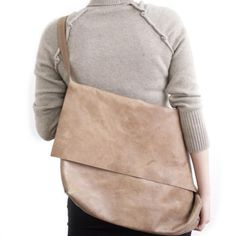 A bag is to carry your affections Leather Messenger n7