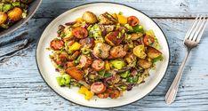 Das Wohlfühlrezept schlechthin: Rauchige Gemüsepfanne mit Krakauer. Mit Kartoffel, Porree und roter und gelber Paprika kannst Du schon bald genießen!