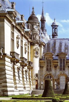 Chantilly - So pretty and the Creme Chatilly is pretty good there too!