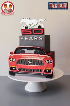 "Ford Mustang 50th anniversary collaboration.REV HEADS - ""Flat Mustang""  - Cake by Un Jeu d'Enfant - Cake Design"