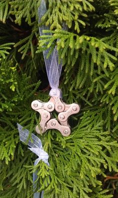 Bicycle Chain Star Christmas Ornament. to put on gifts
