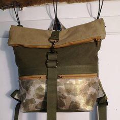 Sac à dos Troïka en beige, kaki et camouflage irisé cousu par Atelier 24 - Patron Sacôtin