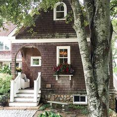 cape cod exterior porch