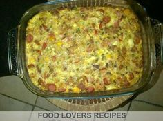 SOUTTERT Posted on May 2013 by Rina Kleinhans Posted in Terte - Sout / Savoury Tarts / Quiches, Vrieskas Resepte / Freezer Recipes Save PASTORIE SOUTTERT 1 gekapte ui 1 blikkie bully beef 1 blikkie viennas 500 ml gerasperde kaas 2 dik snye wit brood 2 Savoury Baking, Savoury Dishes, Food Dishes, Quiche Recipes, Tart Recipes, Cooking Recipes, Freezer Recipes, South African Dishes, South African Recipes