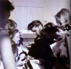 """Résultat de recherche d'images pour """"las vegas elvis fifties"""""""