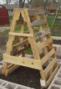 Picture of trellis made from pallets