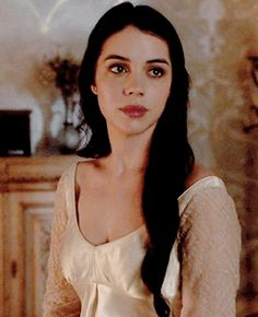 i don't even watch reign, i just love adelaide kane: Reign Mary, Mary Queen Of Scots, Queen Mary, Isabel Tudor, Adelaide Kane Gif, Adelaine Kane, Cora Hale, Marie Stuart, Reign Tv Show