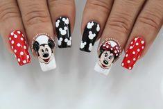 Minnie and Mickey mouse nail art Deko Uñas Minnie Mouse Nail Art, Mickey Nails, Pretty Nail Colors, Pretty Nails, Nail Designs Spring, Nail Art Designs, Nail Dipping Powder Colors, Disneyland Nails, Vacation Nails
