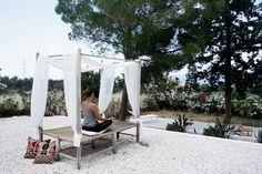 Boutique B&B Villa Zoe – Kreta, Griechenland Bed And Breakfast, Village Houses, Yoga, Outdoor Furniture, Outdoor Decor, Sun Lounger, Boutique, Places, Cabin Ideas