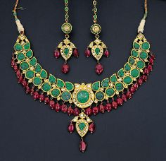 Indian diamond, emerald and spinel necklace