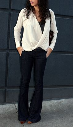 V-neck top, boot-leg cut mid-rise jeans, pointy heels = the perfect petite look!