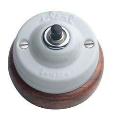 Pulsador para timbre de porcelana y madera #retro #interruptores #porcelana #mecanismos #antiguo #decoracion #rustica #iluminacion #vintage