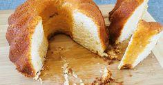 Kuglóf készülhet kelt tésztából és sütőporral gazdagított lágy masszából is, látványos, édes finomság, amit érdemes gyakran készíteni. Bagel, Doughnut, Bread, Sweet, Desserts, Thoughts, Food, Candy, Tailgate Desserts