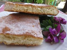 Torta de azúcar French Toast, Sandwiches, Bread, Baking, Breakfast, Food, Cooking Recipes, Cookies, Crack Cake