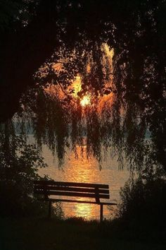 homes, décor, gardens, nature, all things beautiful serene and cozy . Beautiful Sunset, Beautiful World, Beautiful Places, All Nature, Nature Pics, Peaceful Places, Jolie Photo, Pretty Pictures, Beautiful Landscapes