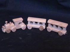 LadislavKurnota / malý drevený vláčik s vagónikmi Wooden Toys, Wooden Toy Plans, Wood Toys, Woodworking Toys