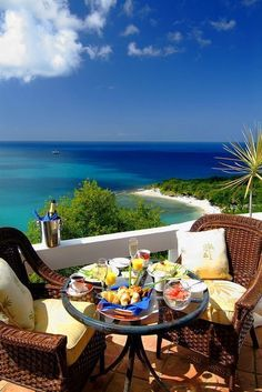 St Lucia, tropical romantic get-away vacation destination #travel #bucketlist