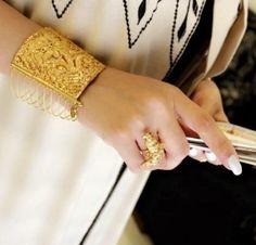 Emerald Jewelry, Boho Jewelry, Bridal Jewelry, Fashion Jewelry, Bridal Bangles, Gold Bangles, Bangle Bracelets, Rajput Jewellery, Imitation Jewelry
