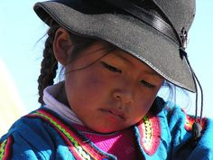 Lago Titikaka Precious Children, Beautiful Children, Beautiful People, Kids Around The World, People Around The World, Photographie Portrait Inspiration, Interesting Faces, Belle Photo, Children Photography