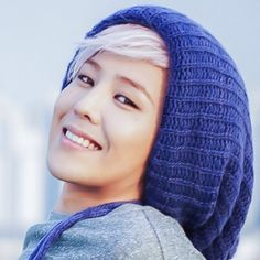 Adorable G-Dragon. Only a couple of guys can manage to look this adorable and sexy at the same time...