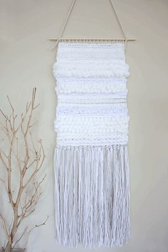 DIY Weaving Techniques: 5 Simple Ways To Add Texture by Jelica Weaving Loom Diy, Weaving Art, Pin Weaving, Loom Knitting Patterns, Weaving Patterns, Weaving Projects, Macrame Projects, Baby Toys, Easy Yarn Crafts