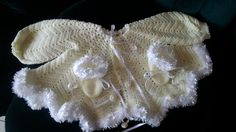 Baby wear, handmade by Merle, soft yellow with white 'fur' for baby or reborn dolls. Make And Sell, How To Make, How To Wear, White Fur, Reborn Dolls, Baby Wearing, Beautiful Things, Yellow, Handmade