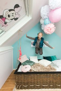 Meisjeskamer Girls room JONGInterieur.nl luchtballon bed