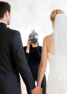 5 Things You Should Ask Your Photographer the Week Before Your Wedding