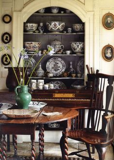 """Ways With Antiques"": Displaying Your Collections"