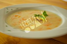 Havuçlu Şehriye Çorbası Cheeseburger Chowder, Thai Red Curry, Soup, Ethnic Recipes, Soups