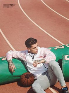 Stephen James Mens Health Espana Abril 2015