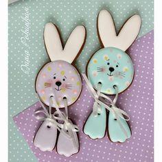 Fancy Cookies, Iced Cookies, Cute Cookies, Easter Cookies, Royal Icing Cookies, Cupcake Cookies, Sugar Cookies, Cupcakes, Flower Cookies