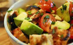 Szuperegészséges saláták avokádóból