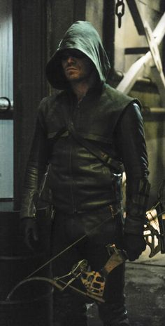 "Arrow - 2x21 - ""City of Blood"" - Stephen Amell as Oliver Queen/The Arrow"