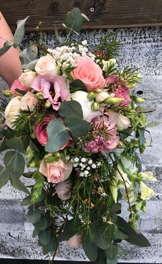 Floral Wreath, Wreaths, Home Decor, Church Decorations, Celebrations, Getting Married, Flowers, Dekoration, Floral Crown